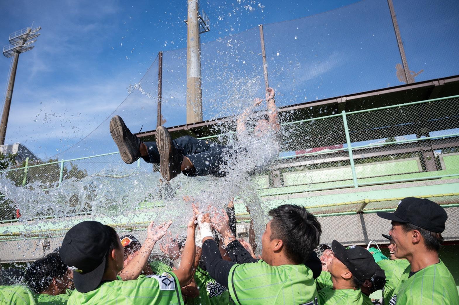 安永鮮物隊拿下隊史第四座冠軍,崇越集團推好康優惠與球迷同慶。