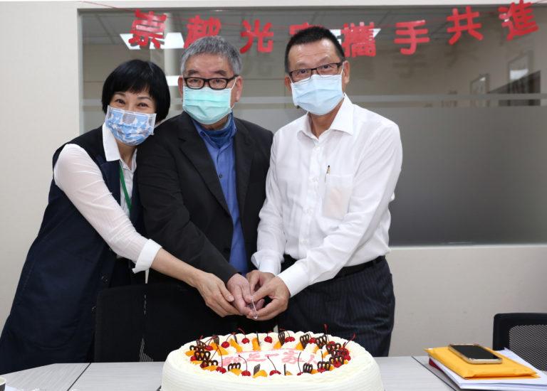 「光宇工程顾问」新任董事长赖杉桂博士(右)与荣誉董事长罗光楣博士(中),共同辅佐光宇工程业务执行。